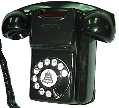 Back To: Bakelite &amp; Steel Phones of the 30<sup>s</sup> to the 50<sup>s</sup>